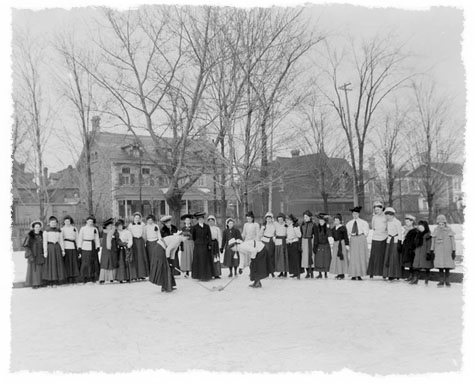 Ottawa Ladies' College Hockey Group, March 1906.