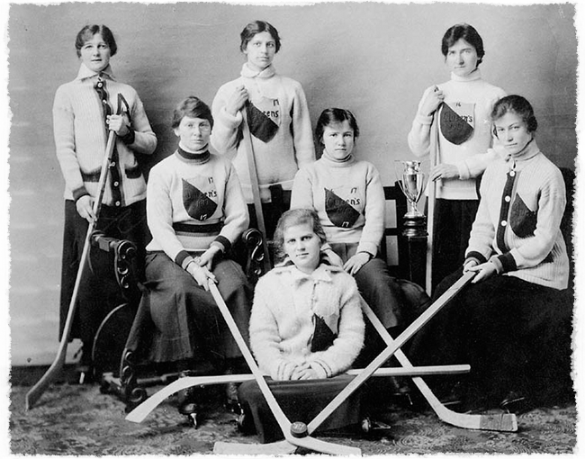 Queen's University Hockey Team (Kingston, Ontario), 1917.